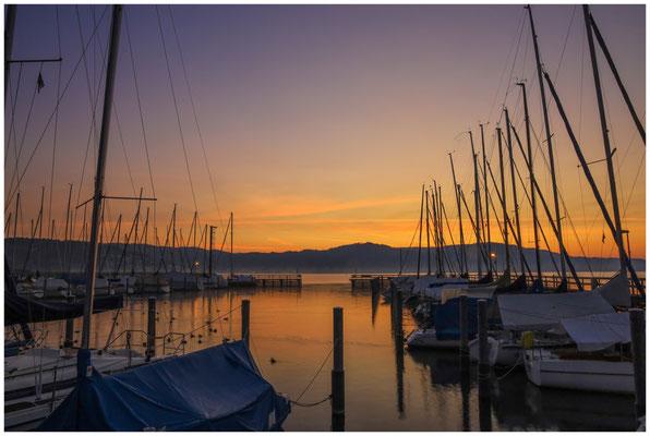 Morgendämmerung im Jachthafen von Bodman 3940