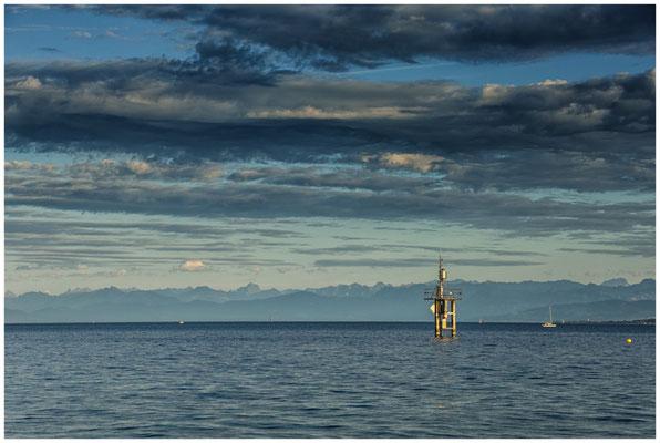 Dunkle Wolken und Alpensicht am Hörnle 0891