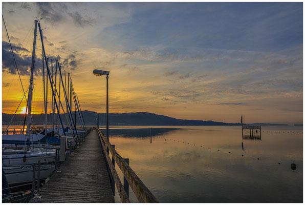 Sonnenaufgang im Jachthafen Bodman  2889