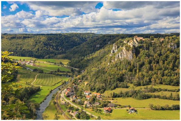 Schloss Werenwag vom Bischofsfelsen aus gesehen 8384