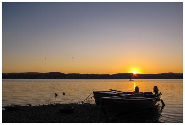Fischerboote bei Sonnenaufgang 9463