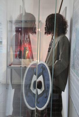 Viele Museen in der Thüringischen Rhön laden zur einer keltischen Zeitreise ein. So auch das Stadtmuseum in Geisa, wo dieser keltische Krieger zu finden ist.
