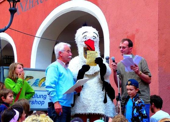 Klappi Storch beim Kinderspieletag