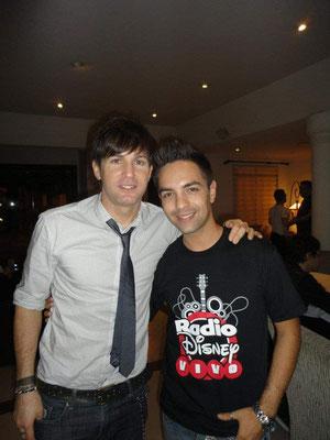 """Entrevista al cantante Axel, en el concierto """"Radio Disney Vivo"""" en el año 2012"""