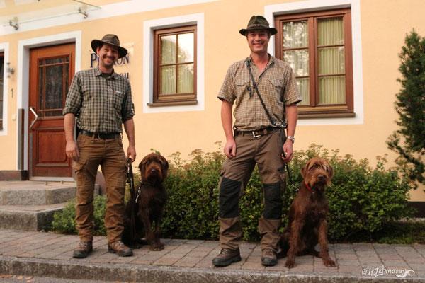 Florian mit Ares und Suchensieger Martin mit Schwester Assra