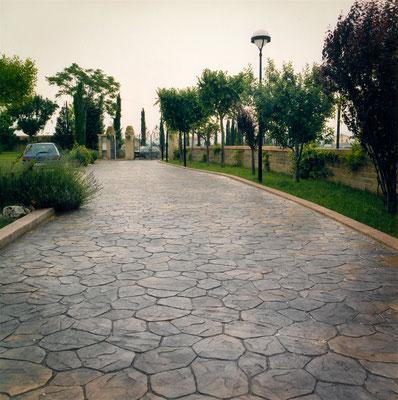 31 - Viale d'ingresso / Opus incertum (pietra irregolare)