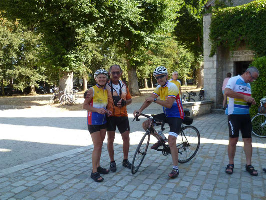 Ghislaine avec Jacques notre accompagnateur au Portugal en 2009