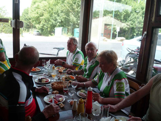 Au restaurant à Blincourt
