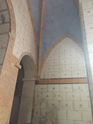 Murs peints dans l'église d'Antigny
