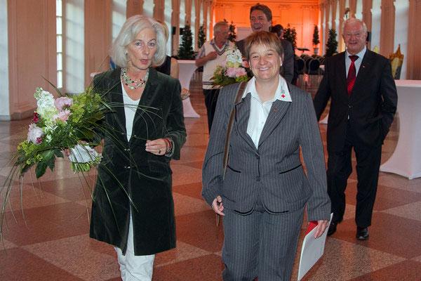 Irene Schwörer mit DRK Vizepräsidentin Donata Schenk in Berlin