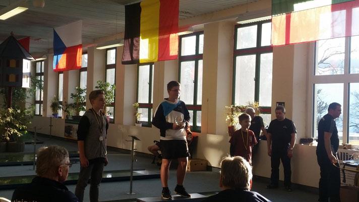 Lukas Platz 1, bei den Schülern