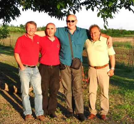 R. Lawall, Slobodan, Dr. Petar, Nicolaington zeigte uns Slobodan Daric
