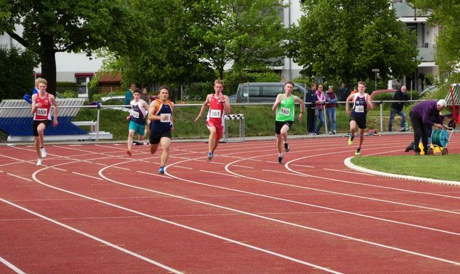 Dominik läuft über 200m gute 25,20sec
