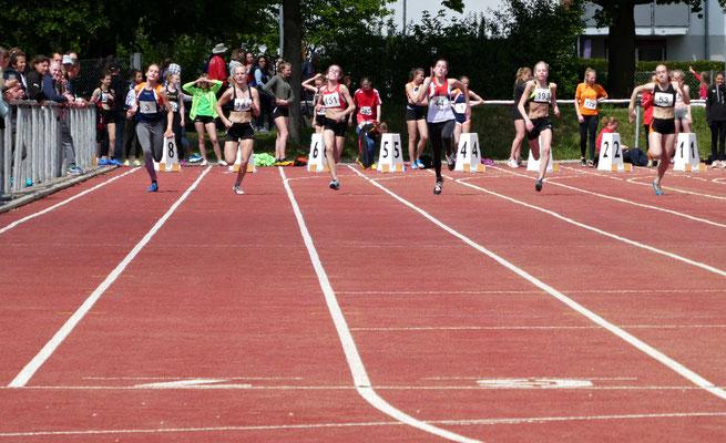 Carolin auf der 100m Strecke
