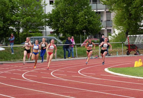 200m - Magdalena erreicht mit 27,11sec den 2. Platz !