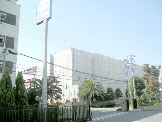 建設途中の工場