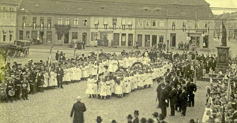 Kinderfest auf dem Marktplatz