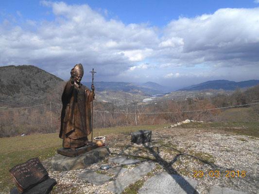 Papa Woitila al Santuario di Filippazzi e 800 metri piu' sotto il fiume Trebbia