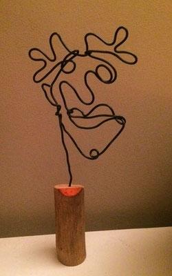 Funny figure: draad, boshout, acrylverf