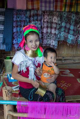 2019  02 - Chiang Rai , village Karen Padaung (femmes girafes)  -L10A6755