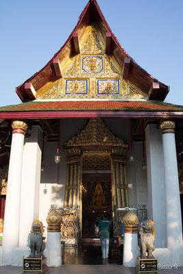 2019  02 - Phitsanulok , Wat Phra Si Ratana Mahathat  -L10A5893