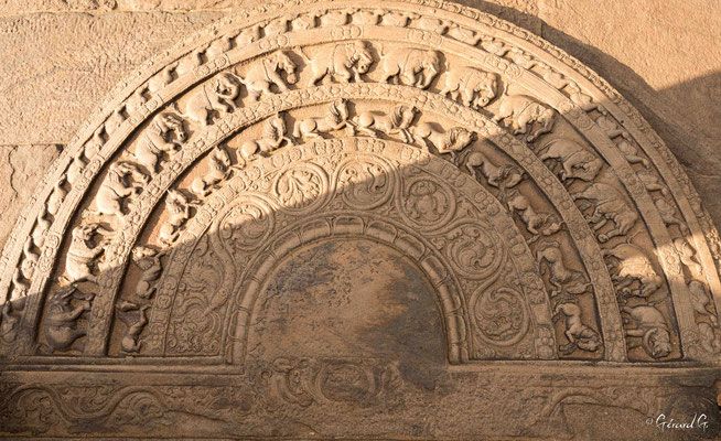 Polonnaruwa, Vatadage, pierre de lune