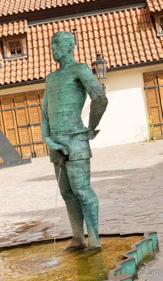Hommes pisant de David Cerny