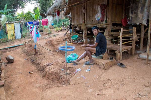 2019  02 - Chiang Rai , village Karen Padaung (femmes girafes)  -L10A6756