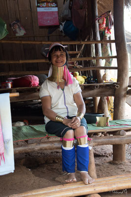 2019  02 - Chiang Rai , village Karen Padaung (femmes girafes)  -L10A6771