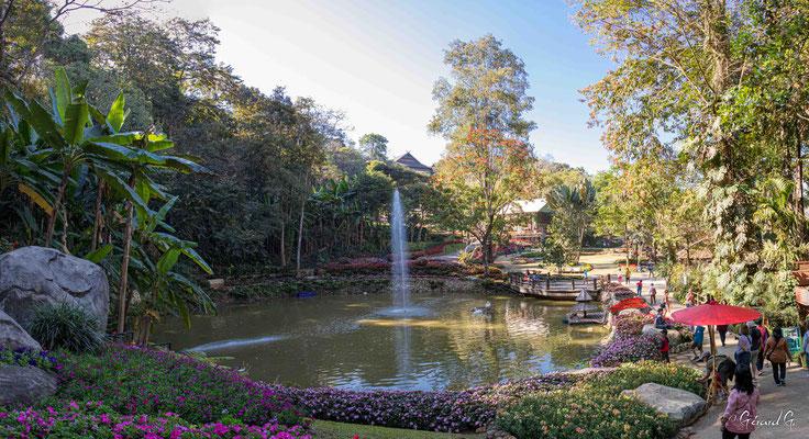2019  02 - Doi Tung, Jardin botanique Mae Fah Luang   -L10A6601-Panorama