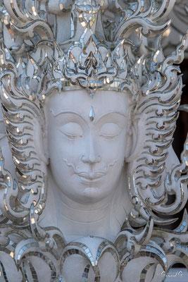 2019  02 - Chiang Rai , Wat Ronglhun (le temple blanc)  -L10A6443