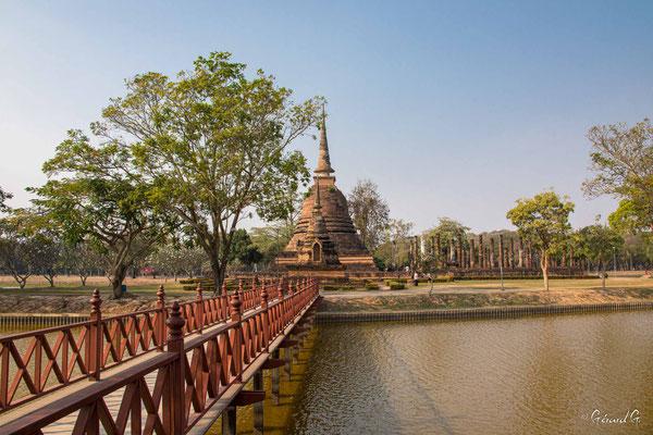 2019  02 - Sukhotai , Wat Sa Si  -L10A6080