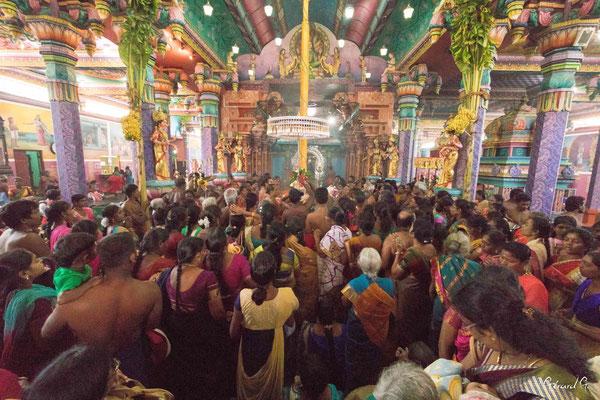 Nainativu, Naga Pooshani Ambal Kovil