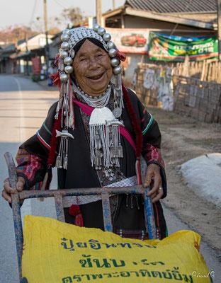 2019  02 - Chiang Rai , Village Karen  -L10A6530