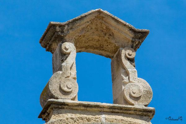 Forteresse de Salses : le clocheton usée par les vents
