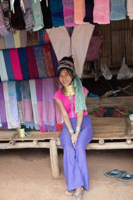 2019  02 - Chiang Rai , village Karen Padaung (femmes girafes)  -L10A6769