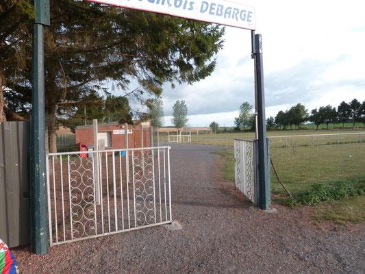 Les portes du stade ouvertes curieux