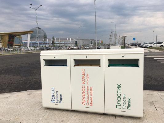 Hier am Parkplatz ist Mülltrennung angesagt