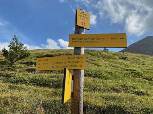 Hier gibt's ganz viele Wanderwege - merken wir uns für's nächste Mal
