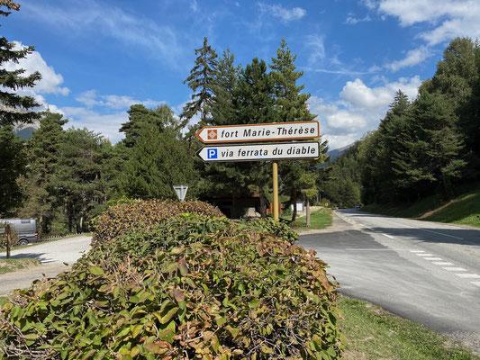 Spaziergang zur Pont du Diable am Fort Redoute Marie-Thérèse