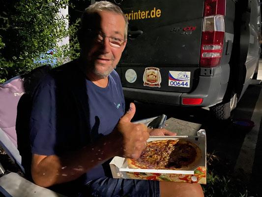 Lecker Pizza von Pizzeria Sa Giara