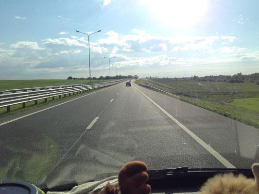 Perfekte Landstraße nach Kaliningrad
