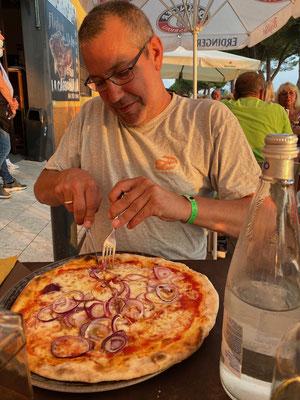 Lecker Essen im Restaurant La Carbonaia