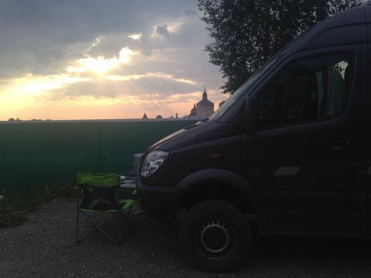 Unser Übernachtungsplatz mit Blick auf das Kloster