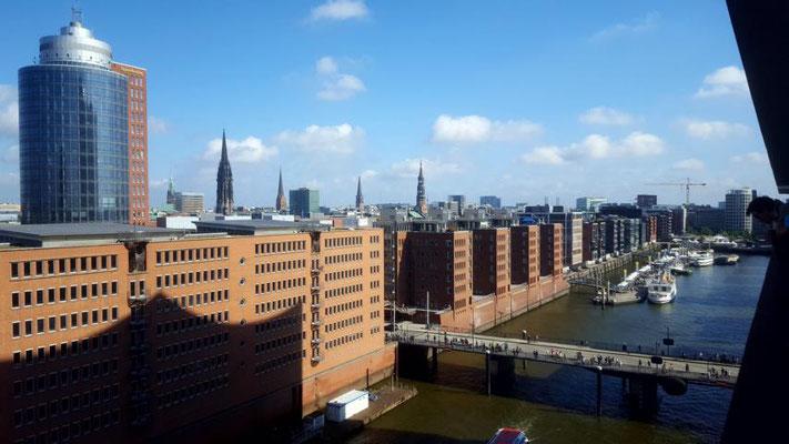 Ausblick von der Plaza der Elbphilharmonie