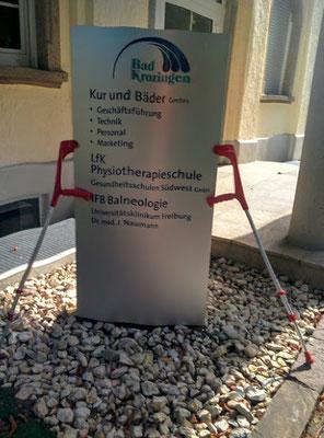 Mein Fussweg...An unserem Lehrinstitut für Physiotherapie (LFK) in Bad Krozingen werden seit 1992 staatlich anerkannte Physiotherapeuten und Physiotherapeutinnen ausgebildet.  Die Schule liegt ruhig inmitten der weitläufigen Anlage des Kurparks