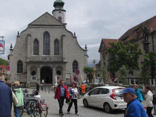 Donnerstag: Evangelische St.Stephans Kirche am Marktplatz von Lindau.