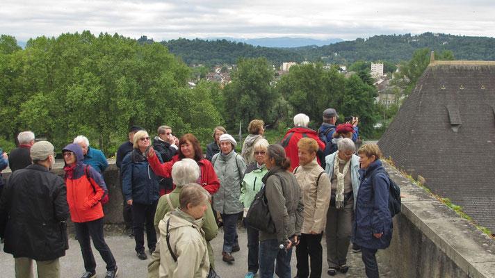 Samstag: Pau,  Blick auf die Stadt vom hochgelegenen Schloss