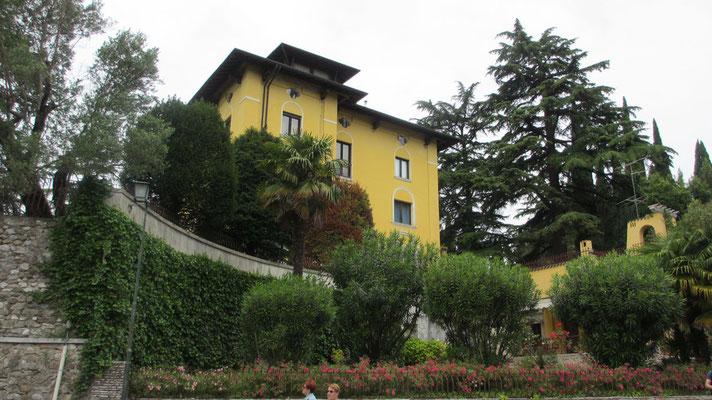 Montag: Villa der Opernsängerin Maria Callas in Sirmione am Gardasee
