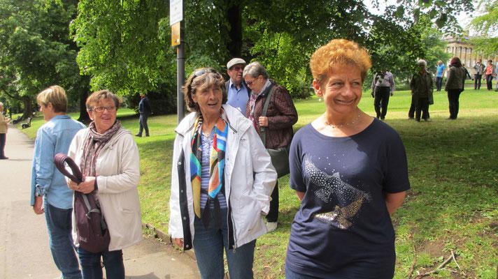 Samstag: Spaziergang durch die Parkanlage vor dem Royal Crescent im Kurort Bath (2 von 2)